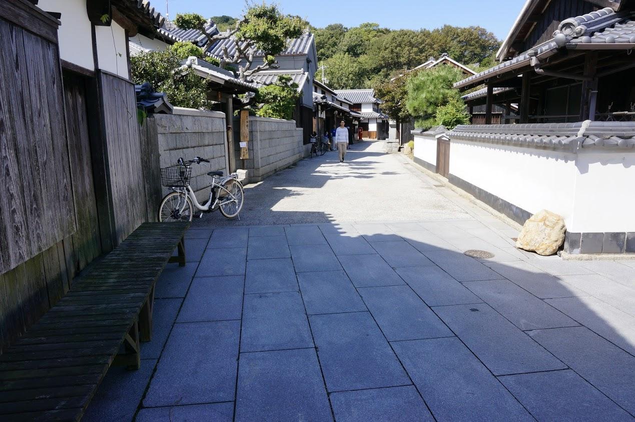 塩飽本島吉田邸前