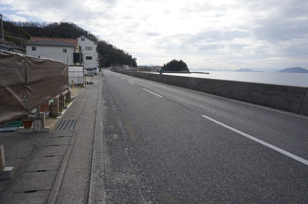 小豆島香川県県道254号沿いの海岸