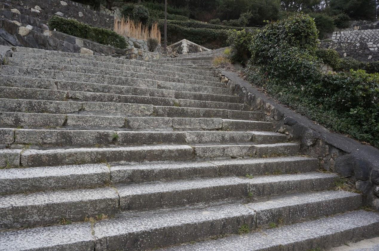 小豆島 富丘八幡神社の桟敷の階段