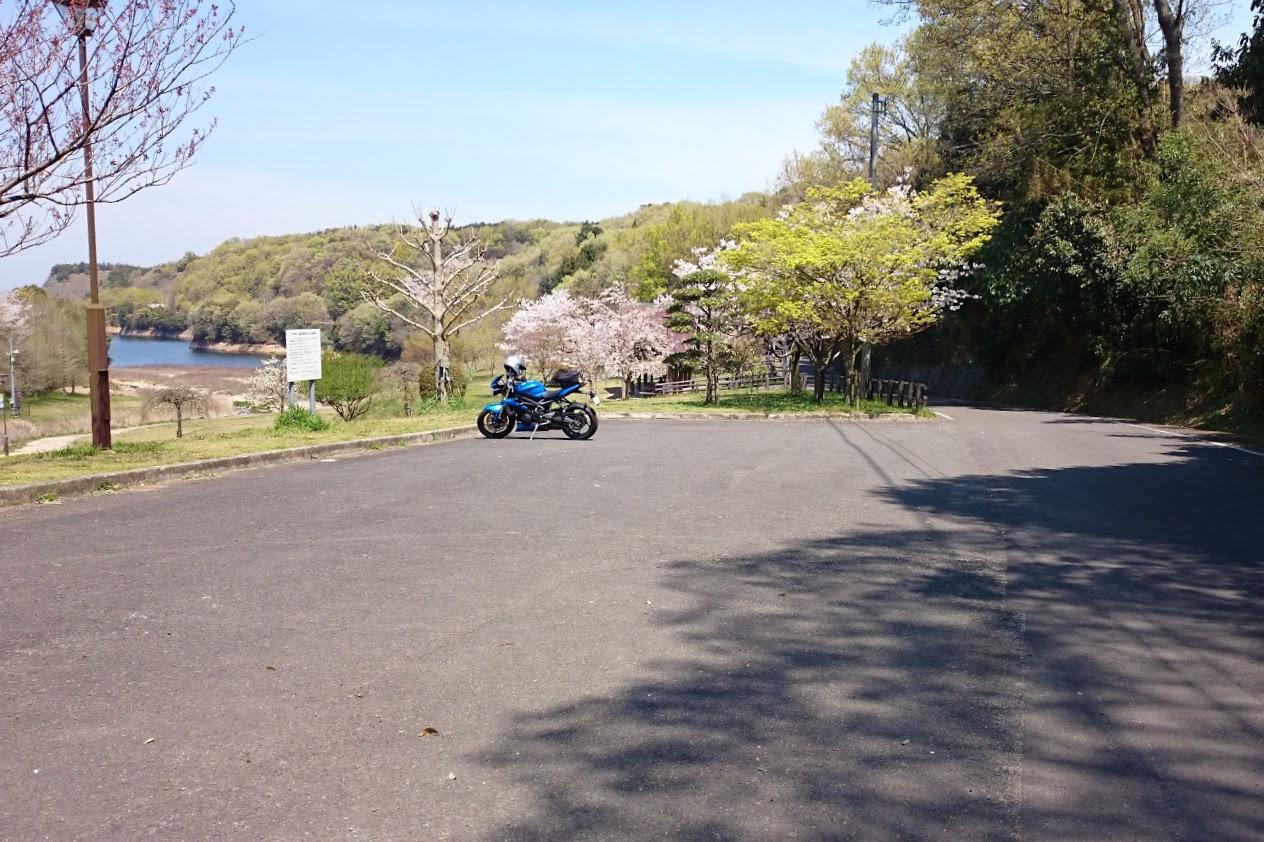 門入の郷水辺の公園東側の駐車場