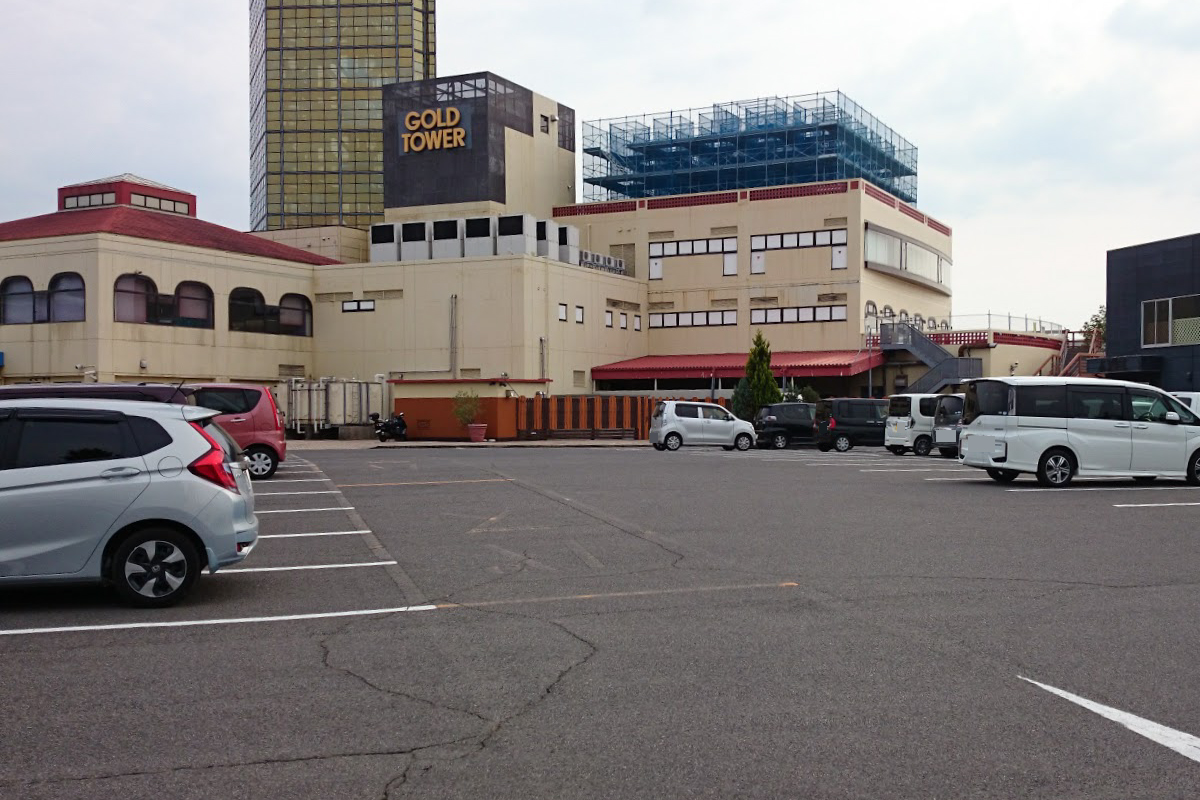 宇多津ゴールドタワー有料駐車場