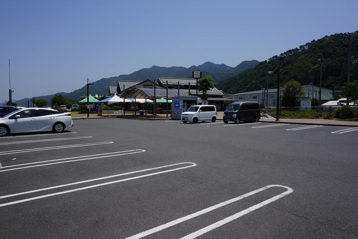 道の駅とよはま駐車場