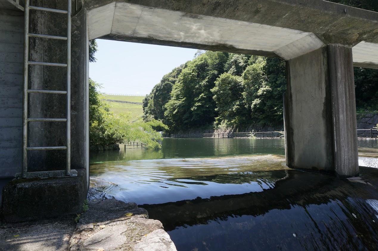 満濃池分水樋門