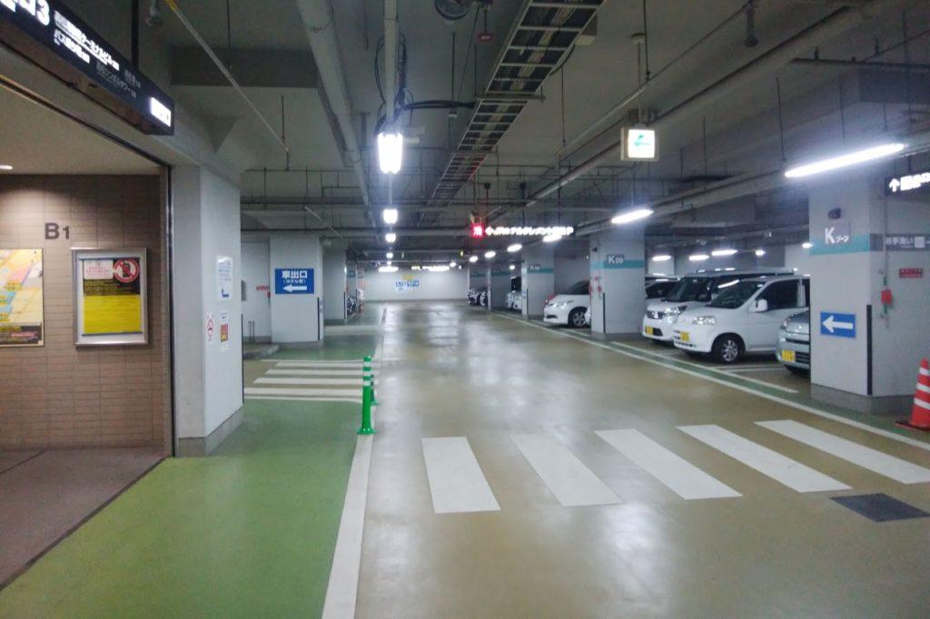 JRクレメント高松駐車場から市営地下駐車場出口へ