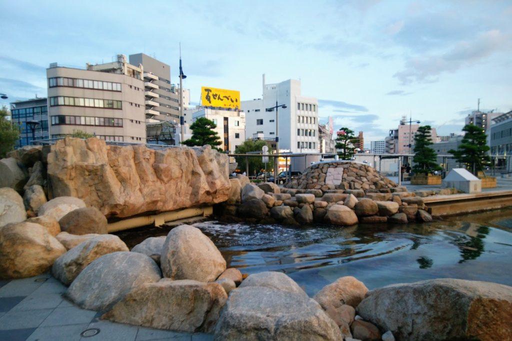 高松駅前広場