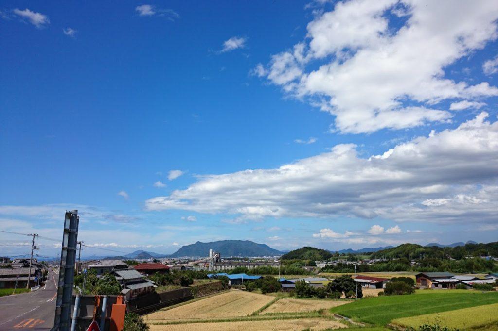 井関池から観音寺市街方面