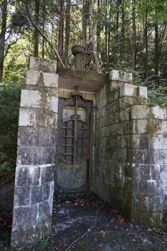 豊稔池ダム 旧土砂吐樋門