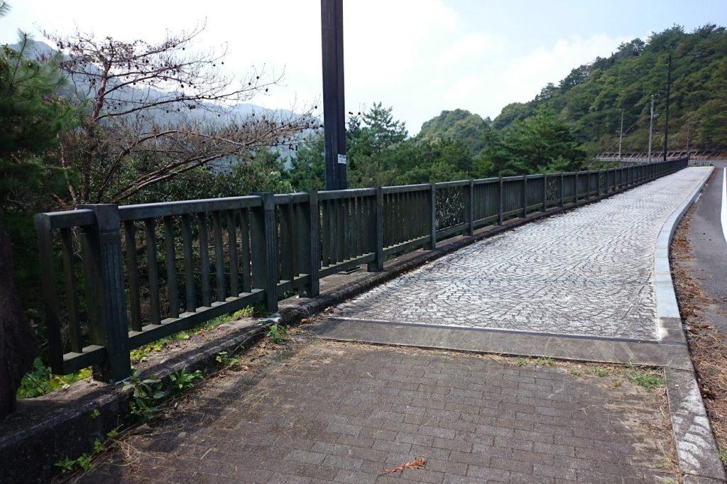 豊稔池ダム 遊歩道
