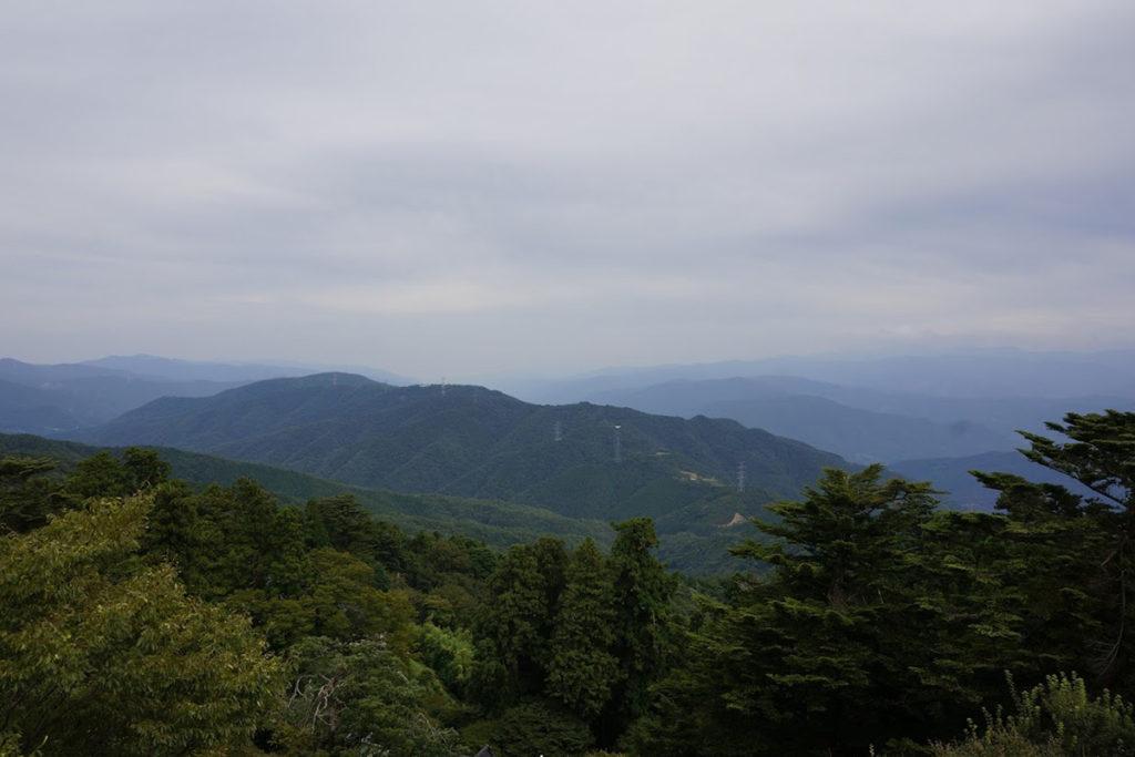 雲辺寺山頂公園 毘沙門天展望館から徳島方面
