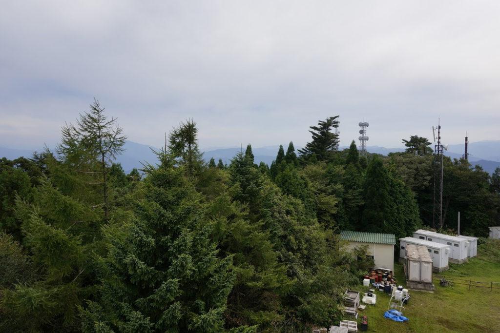 雲辺寺山頂公園 毘沙門天展望館から高知方面