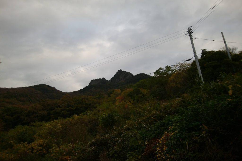 洞雲山の道
