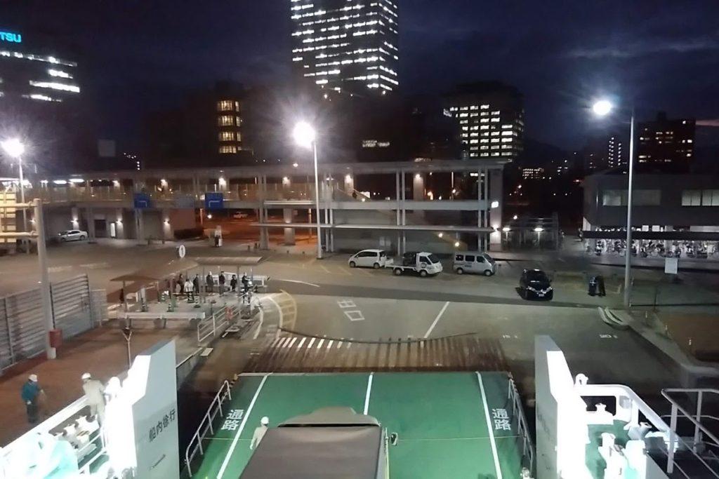 ブルーライン高松港に到着