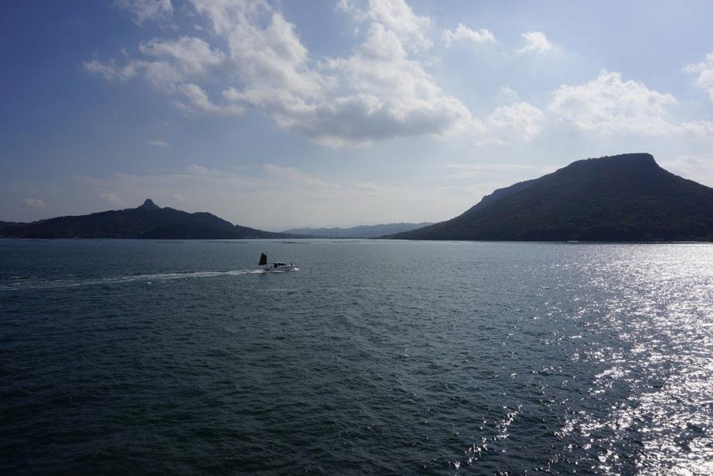 内海フェリー 屋島沖