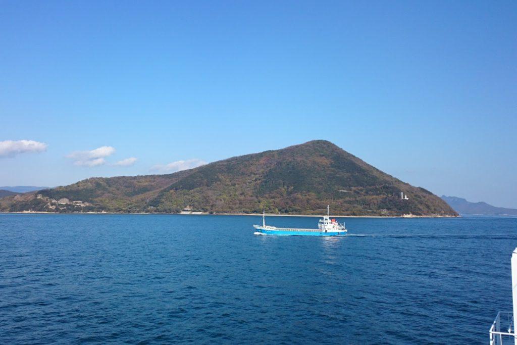 内海フェリーブルーラインから小豆島三都半島