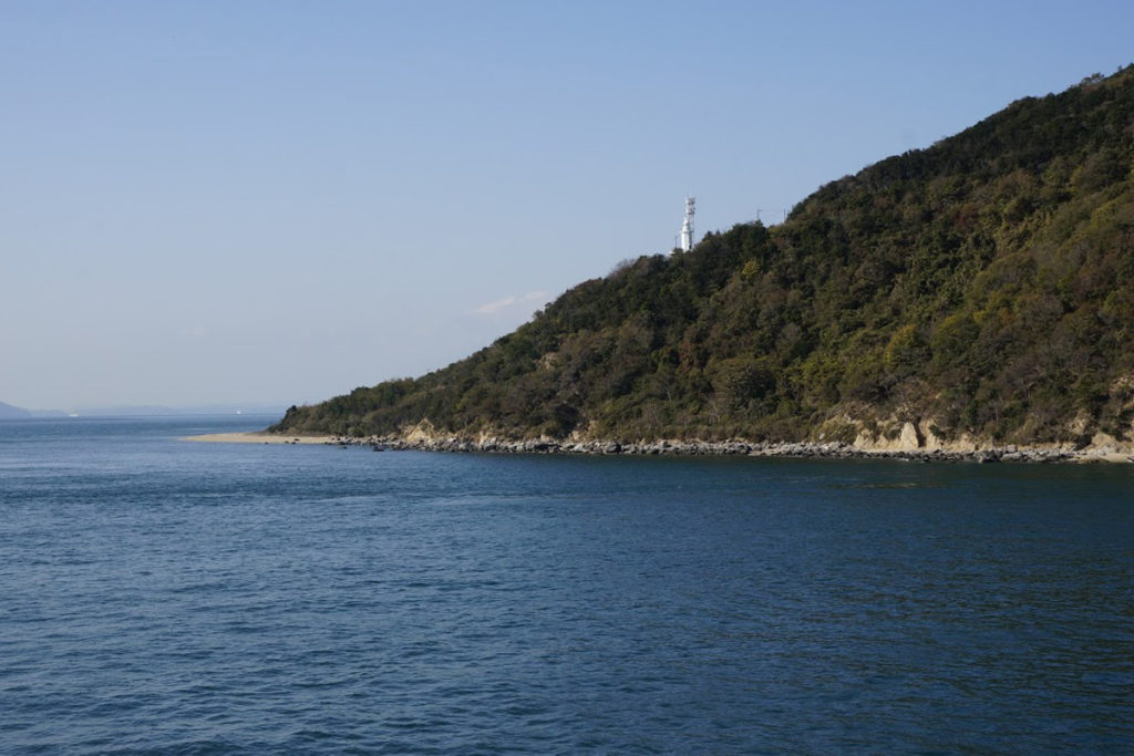 フェリーから見る小豆島三都半島 地蔵崎灯台