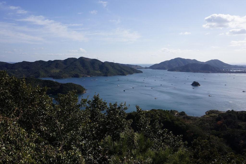 四方見展望台からウチノ海