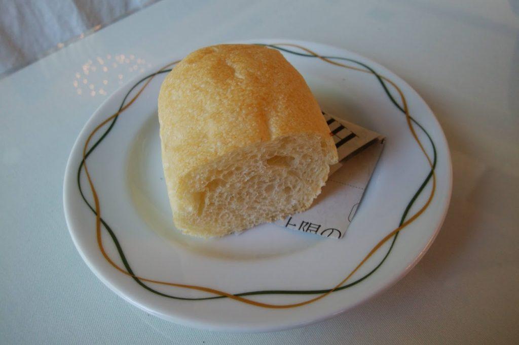 丸亀街SeaDragonのランチのパン