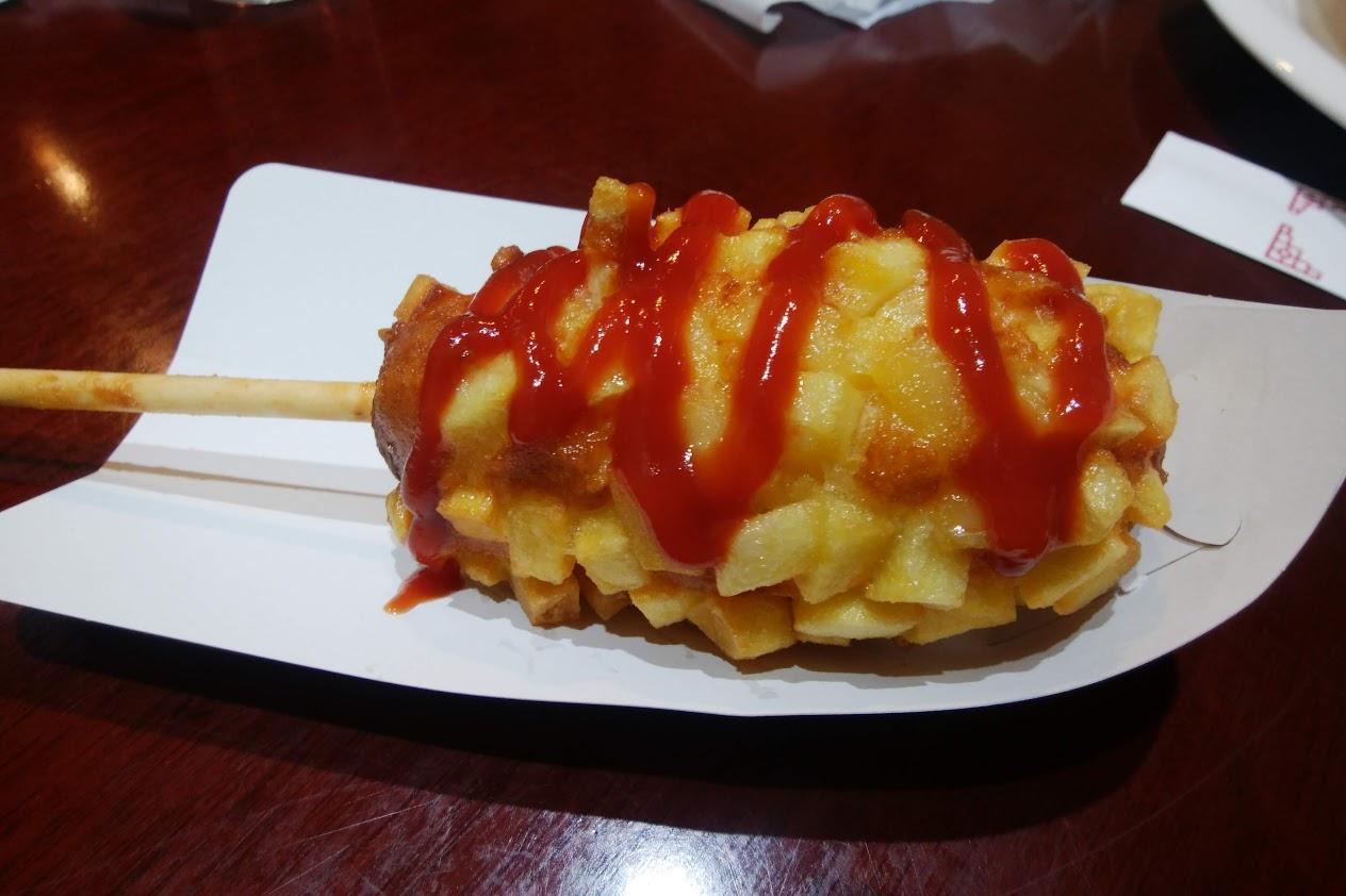 神戸南京町荟華源(フィーファーヨン)のチーズドッグ