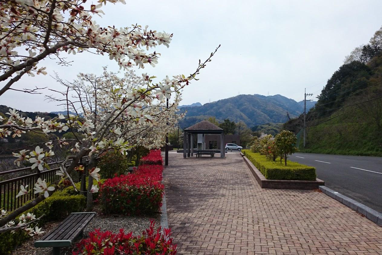 門入の郷公園駐車場とトイレ