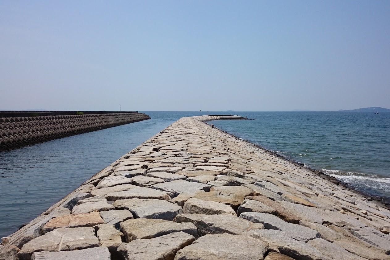 一の宮海岸南側の突堤