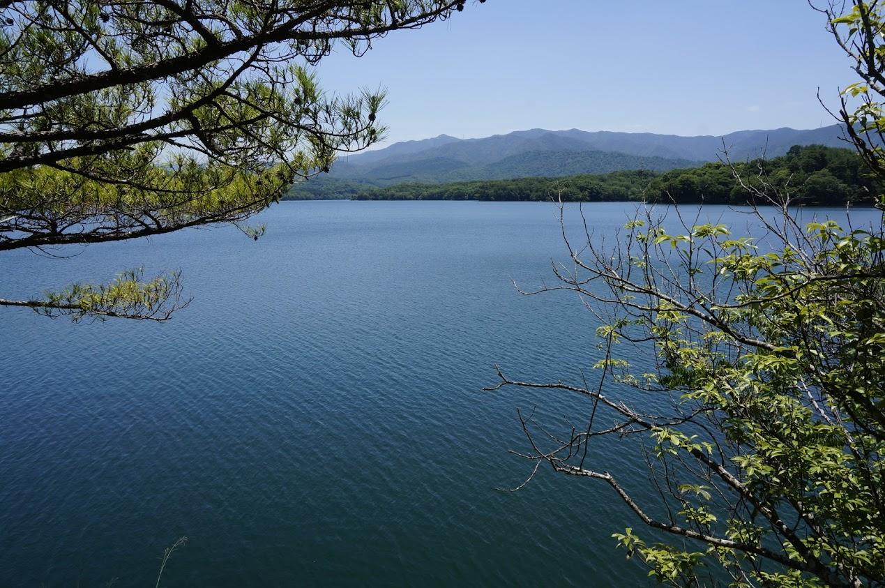 満濃池 護摩壇岩から見る満濃池