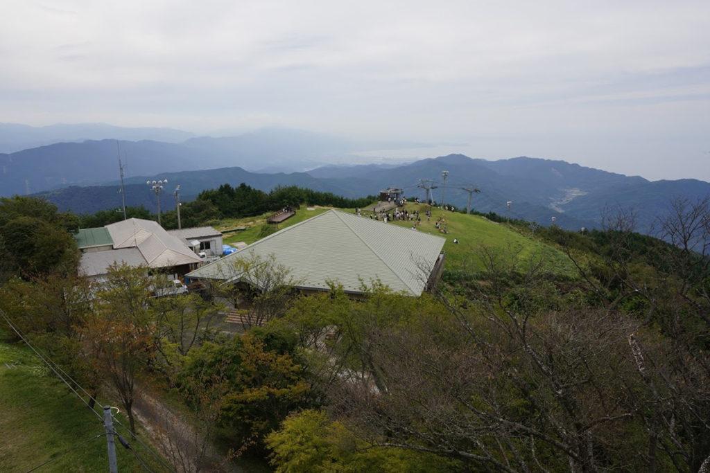 雲辺寺山頂公園 毘沙門天展望館から四国中央市