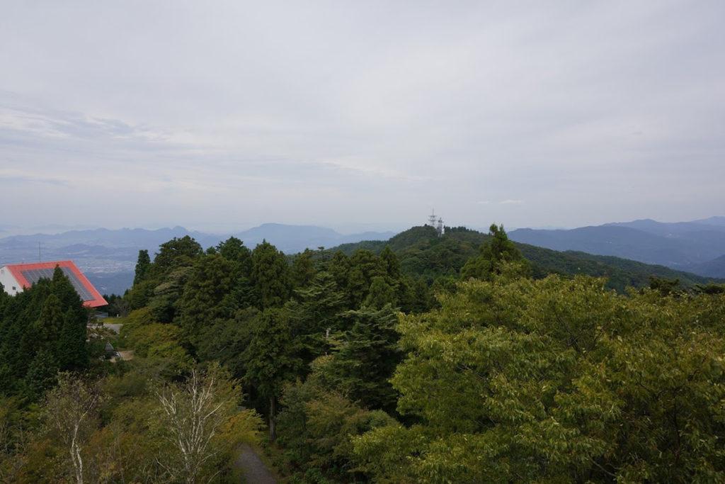 雲辺寺山頂公園 毘沙門天展望館から琴平