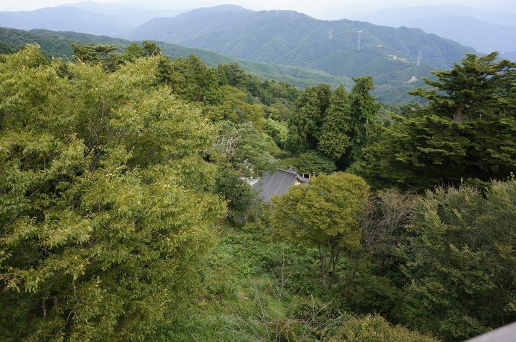 雲辺寺山頂公園 毘沙門天展望館から雲辺寺