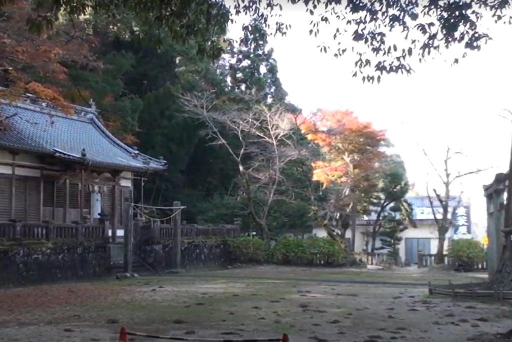 天川神社境内