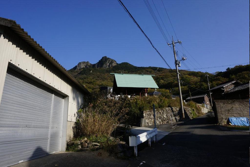 アンガー・フロム・ザ・ボトム 美井戸神社