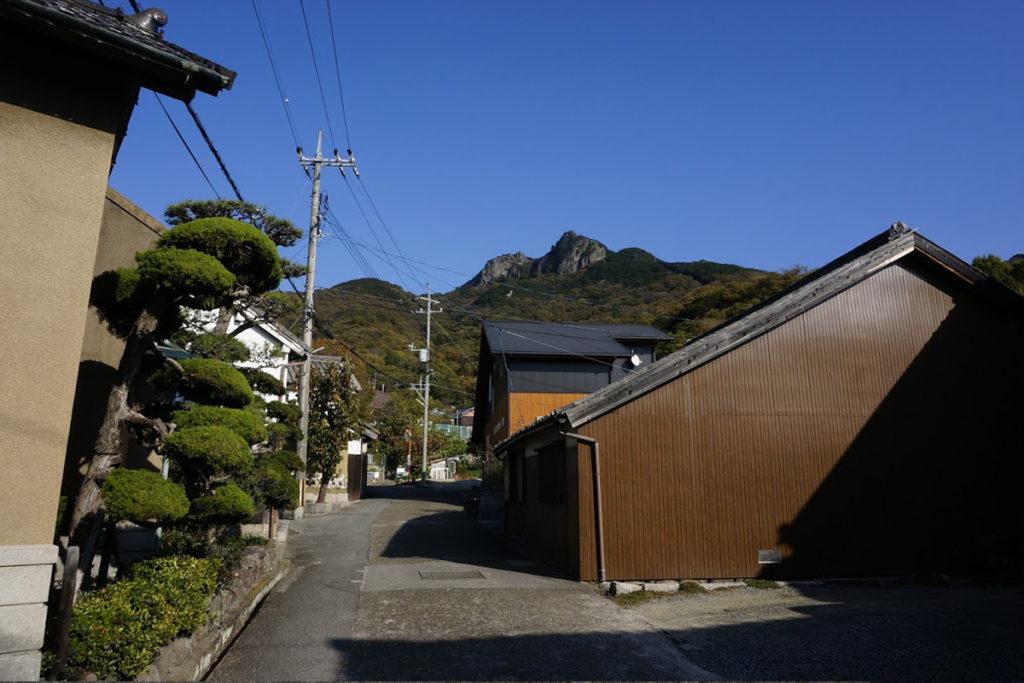 坂手洞雲山への道