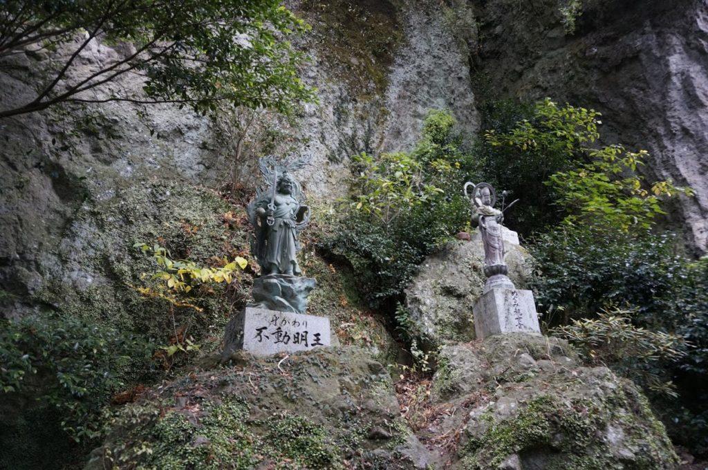 洞雲山の仏像