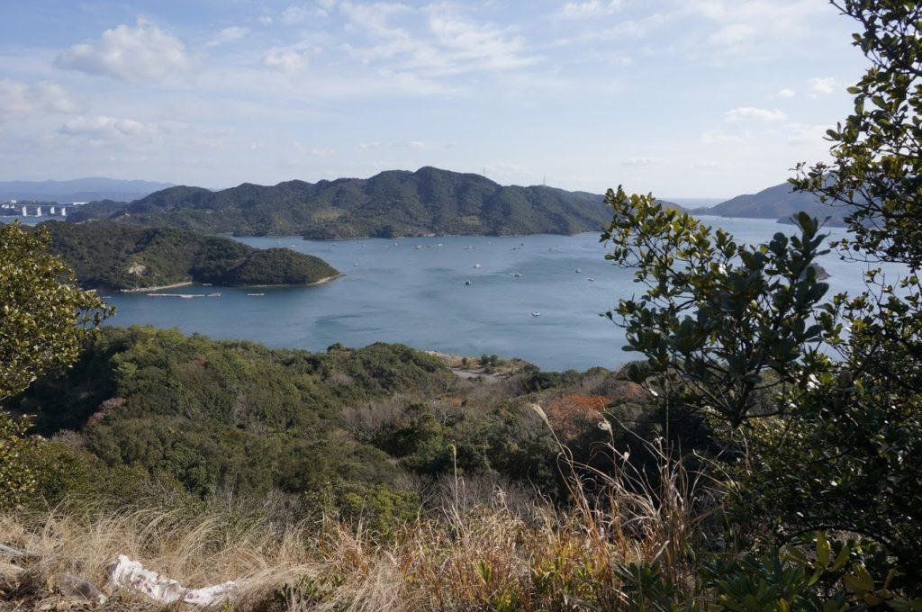 四方見展望台_四方見橋の南東側より眺めるウチノ海