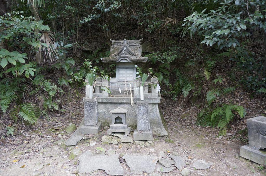 讃岐十景汐木山荒魂神社の社