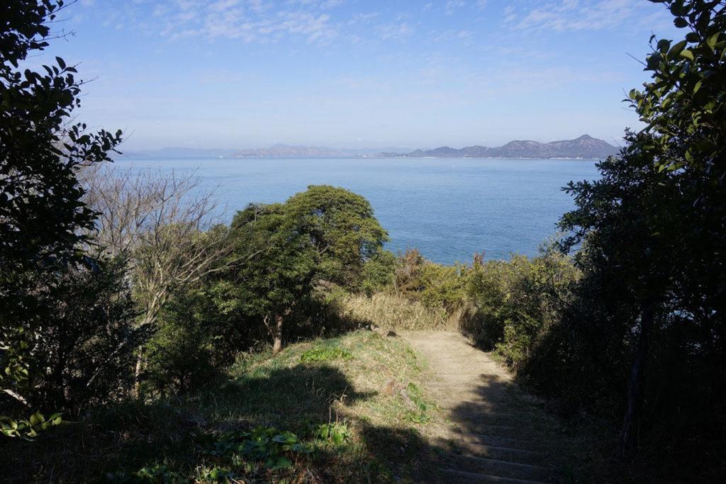 男木島水仙郷への階段