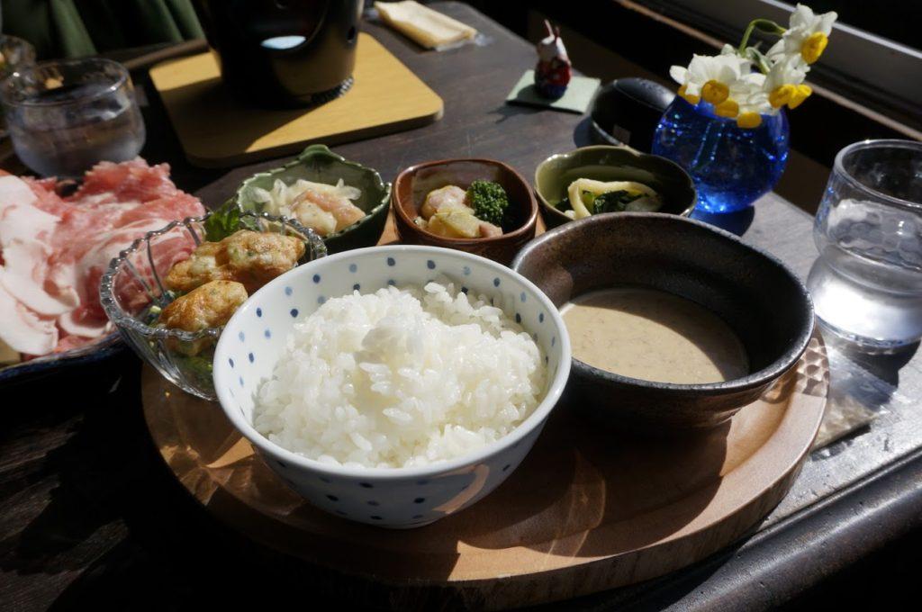 島のゲストハウスとカフェ ogijimaゆくるのランチ