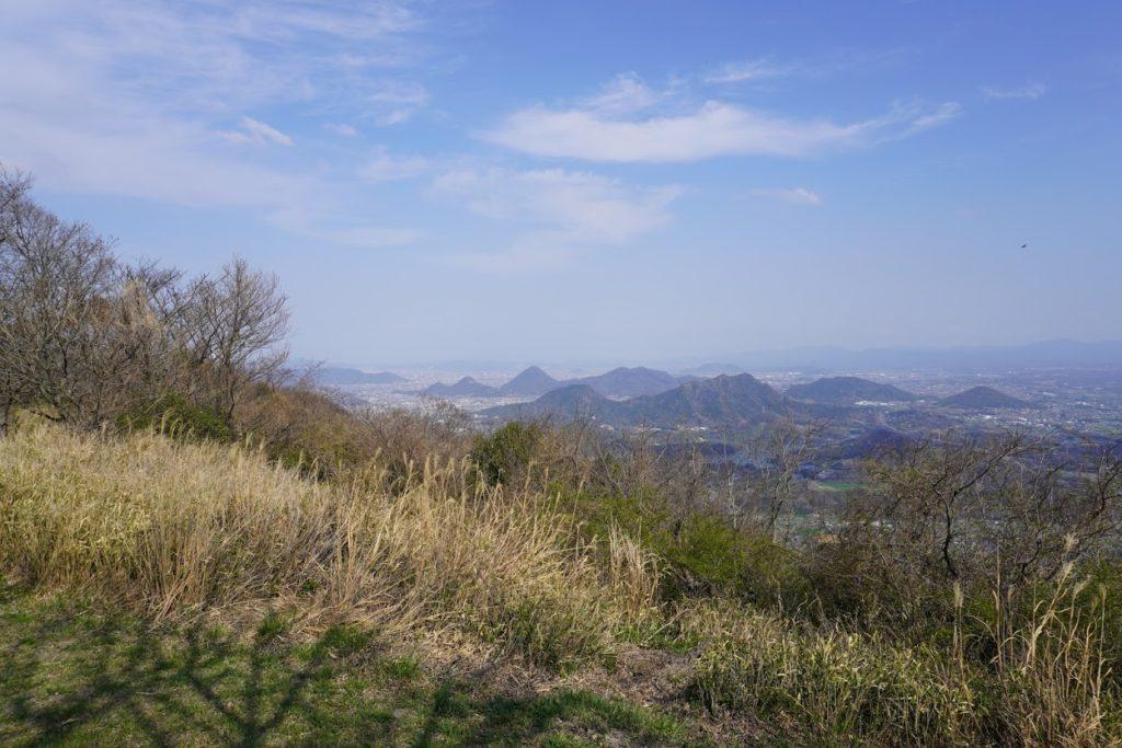 城山山頂園地から府中湖