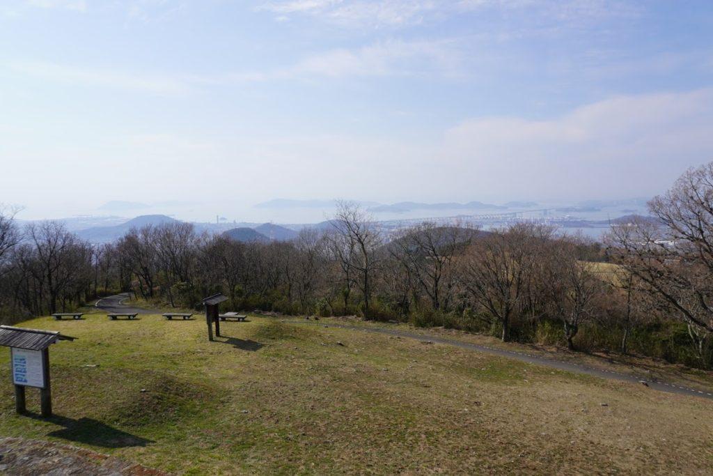 城山山頂展望台から瀬戸大橋方面