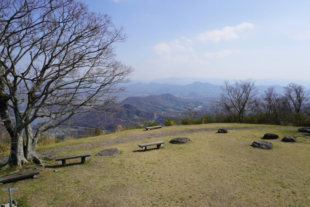 城山山頂からレオマ方面