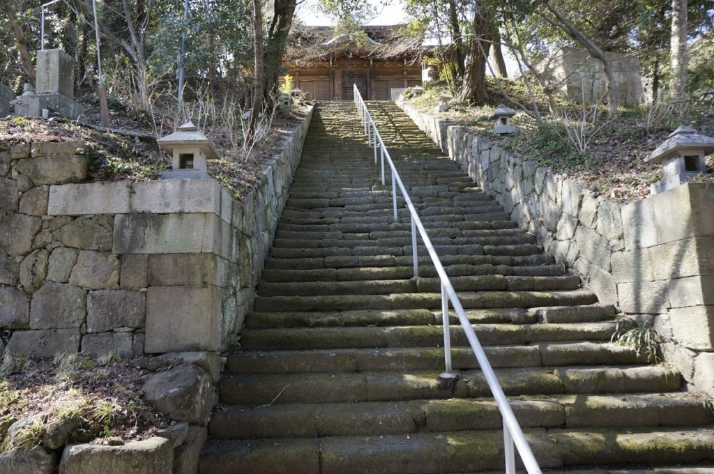 来迎堂への石段