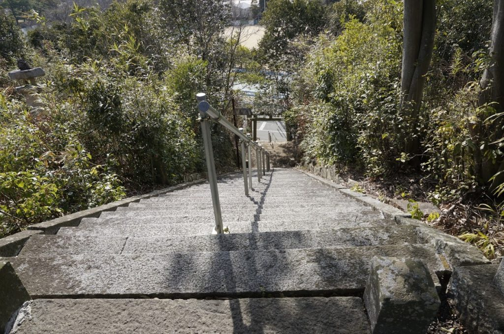 ちきり神社の石段