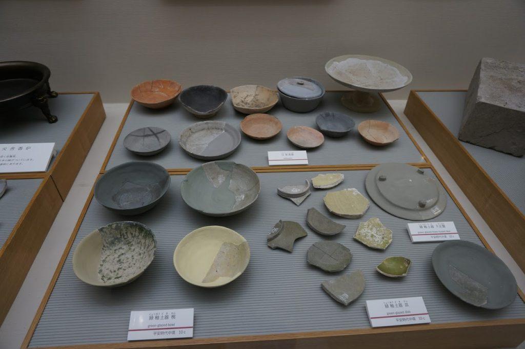 讃岐国分寺跡資料館土器の展示