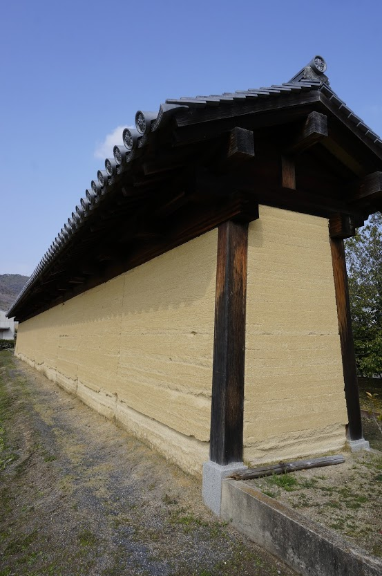 特別史跡讃岐国分寺跡史跡公園復元築地塀の瓦