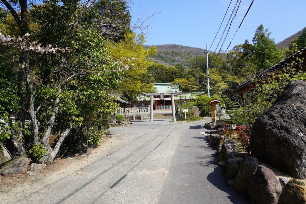 国宝神谷神社への参道