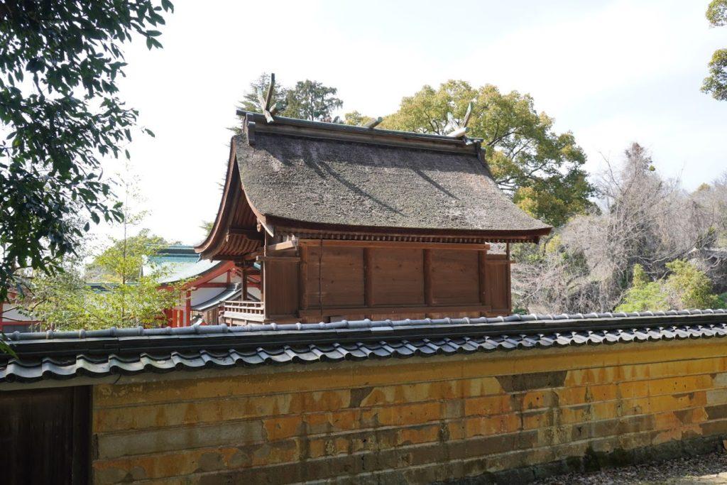 国宝神谷神社本殿の屋根裏側から