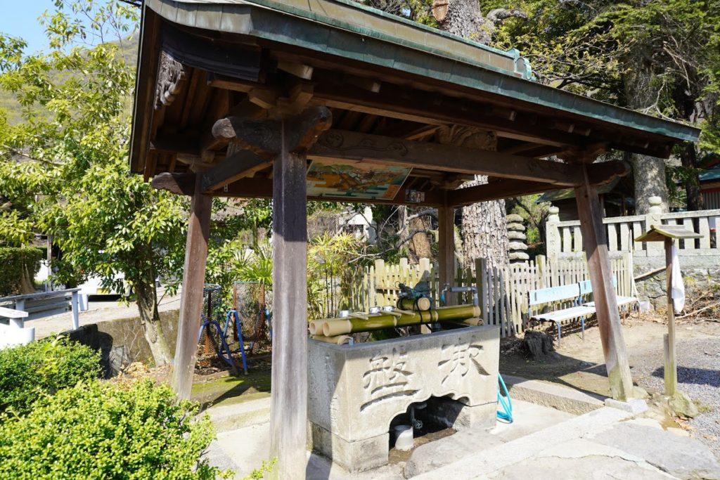 国宝神谷神社手水舎