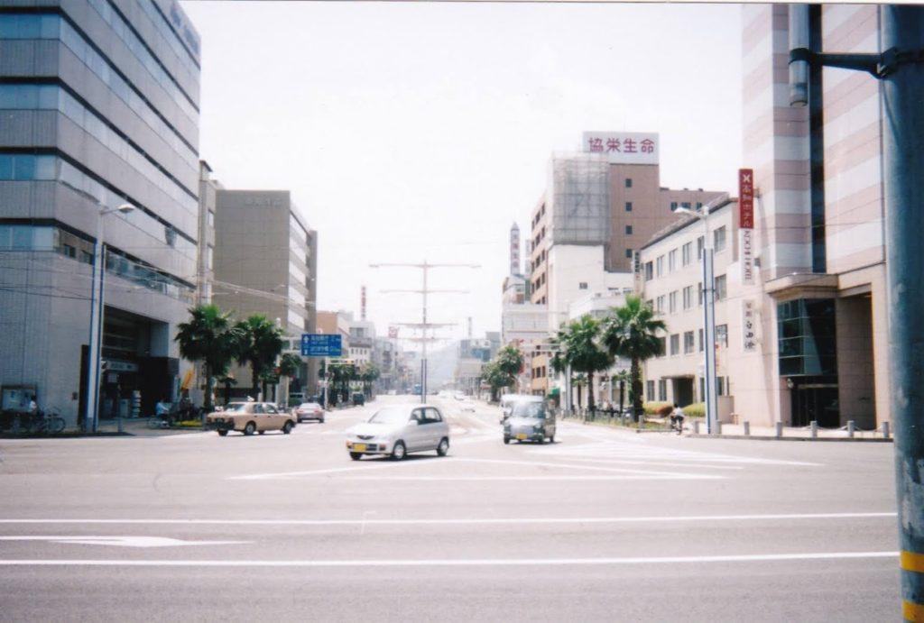 2000年代初頭の高知駅前