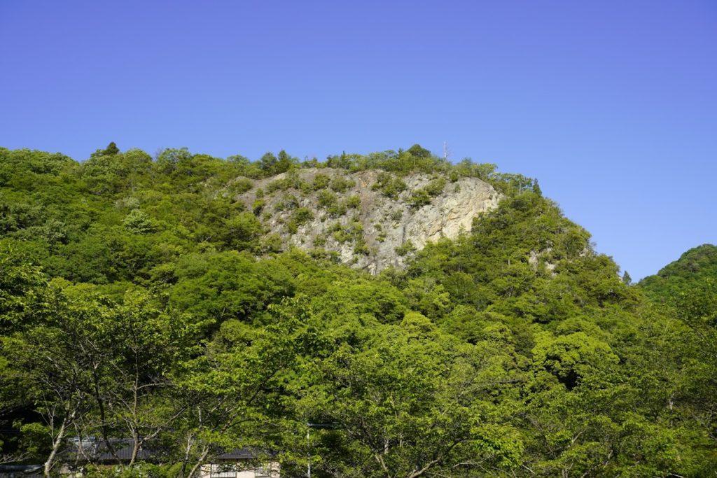 高松市塩江美術館 駐車場から見える岸壁