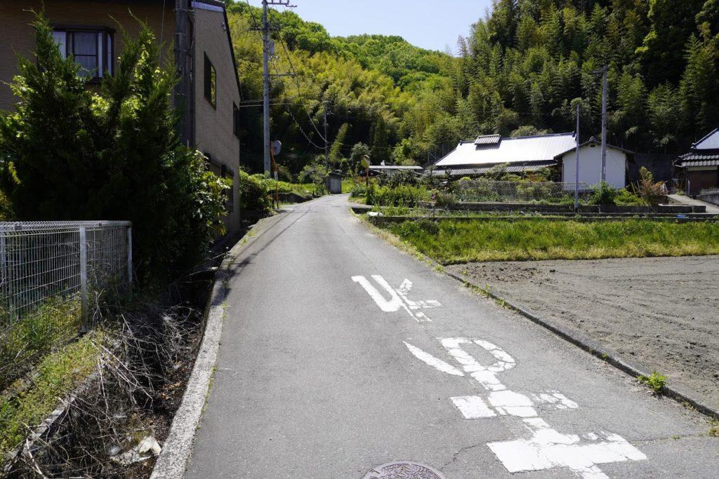 安田川の石舟へ向かう道 塩江町道西桶安田線平賀・安田方面