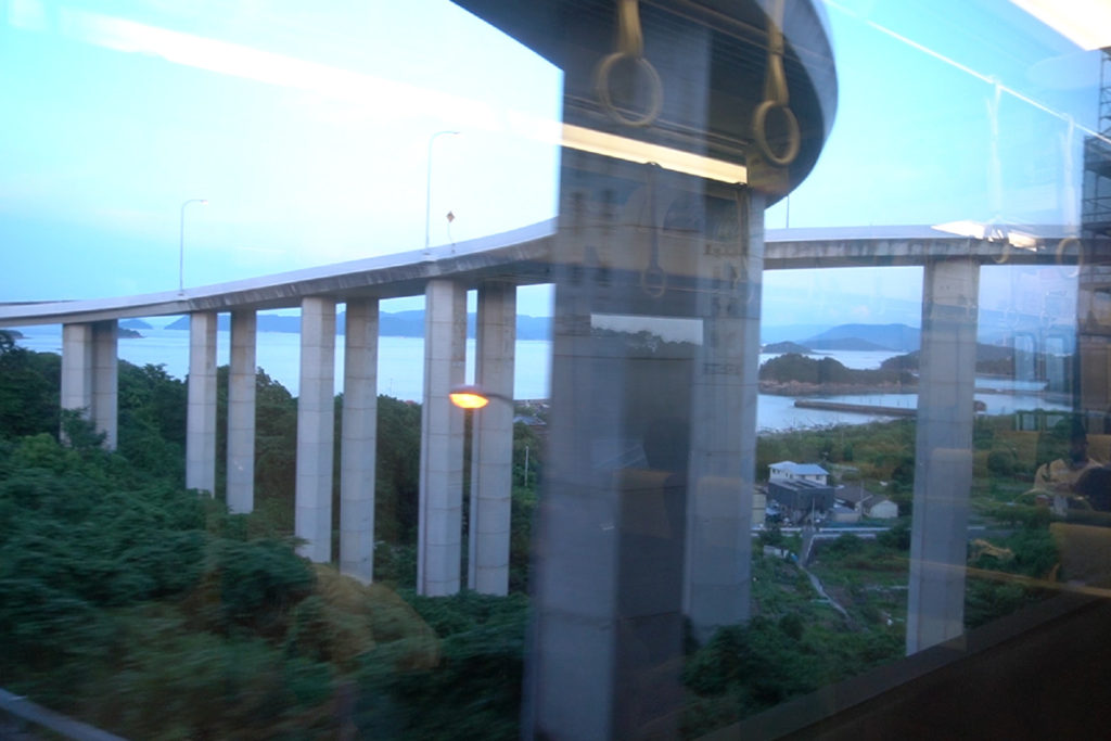 櫃石島ループ橋